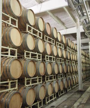Weinfässer von L.A. Cetto.