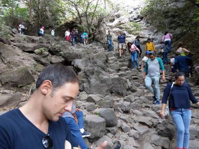 Abstieg. Es hatte unglaublich viele Touristen.