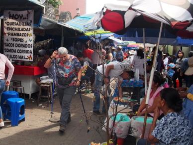 Mami auf dem Markt.
