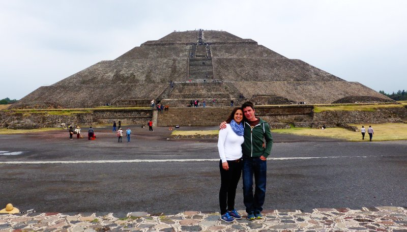 Simon und Stephi in Teotihuacán.